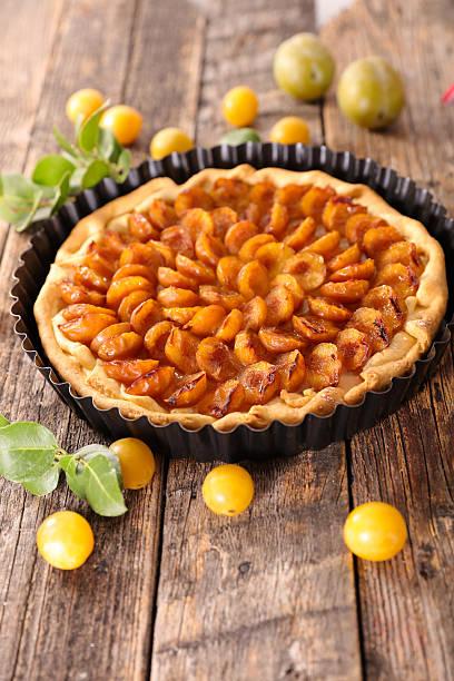 prune tarte - mirabelle photos et images de collection