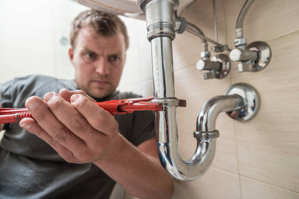 Plumber Plumber at work pipefitter stock pictures, royalty-free photos & images