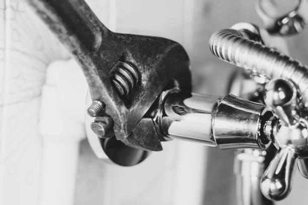 vvs i badröret - water pipes bildbanksfoton och bilder