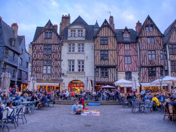 Plumereau square in medieval city of Tours. – zdjęcie