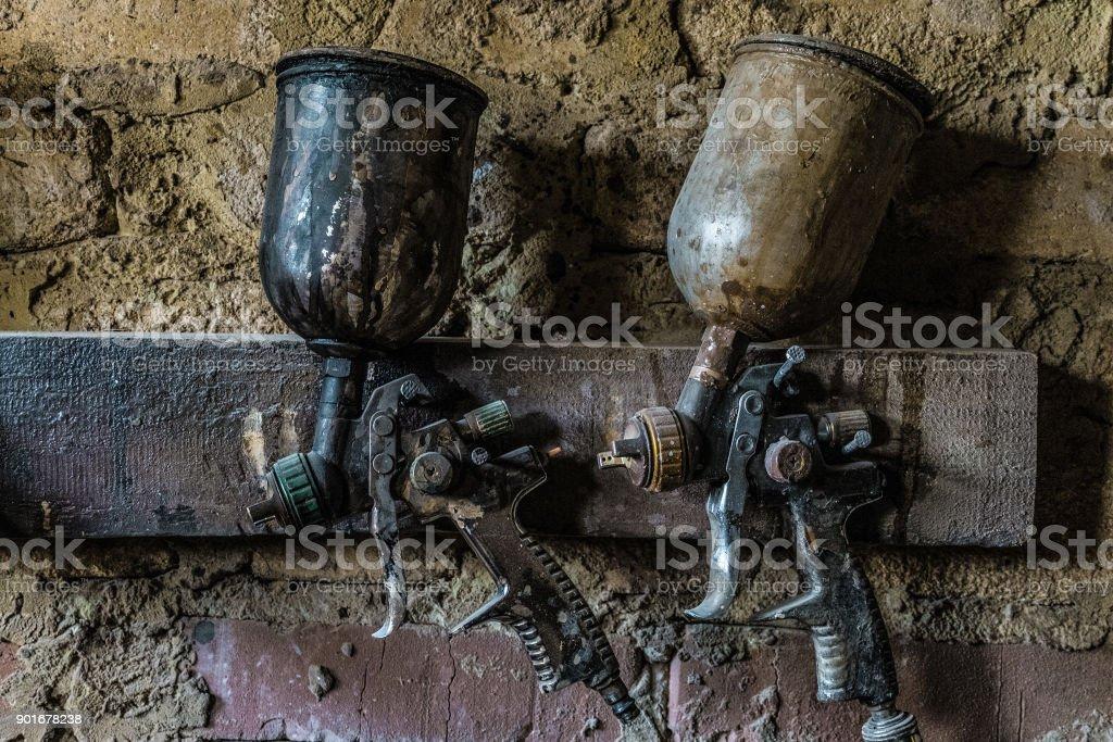 Photo Libre De Droit De Pistolets Pneumatiques Accrocher Sur