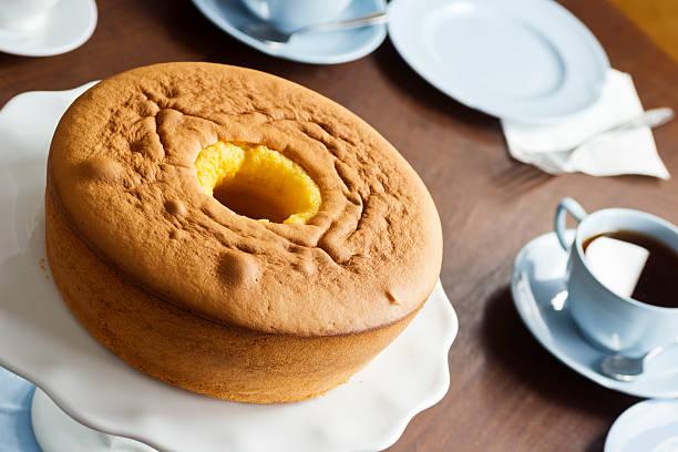 pão de ló oder rührkuchen dessert - portugiesische desserts stock-fotos und bilder