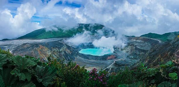 poas volcano - midden amerika stockfoto's en -beelden
