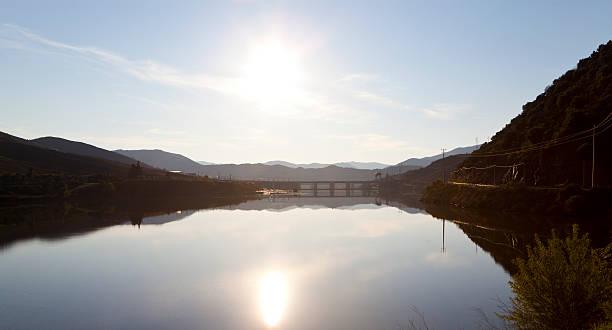 barragem do pocinho - barragem portugal imagens e fotografias de stock