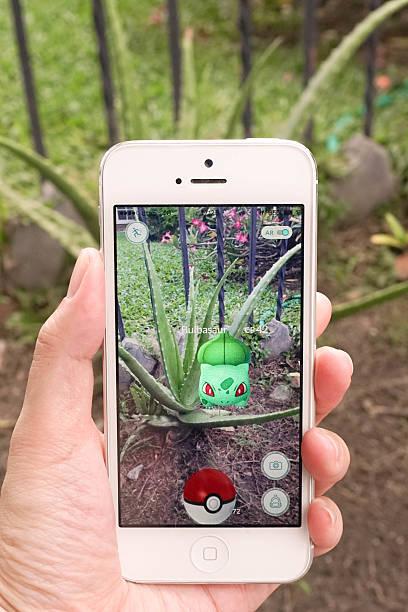 pokemon go - balbasaur - pflanzen pokemon stock-fotos und bilder