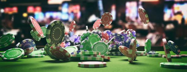 poker chips faller på green filt roulette bord, blur casino inredning bakgrund. 3d-illustration - black jack bildbanksfoton och bilder