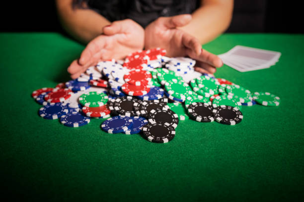 Joueur de Poker going all in - Photo