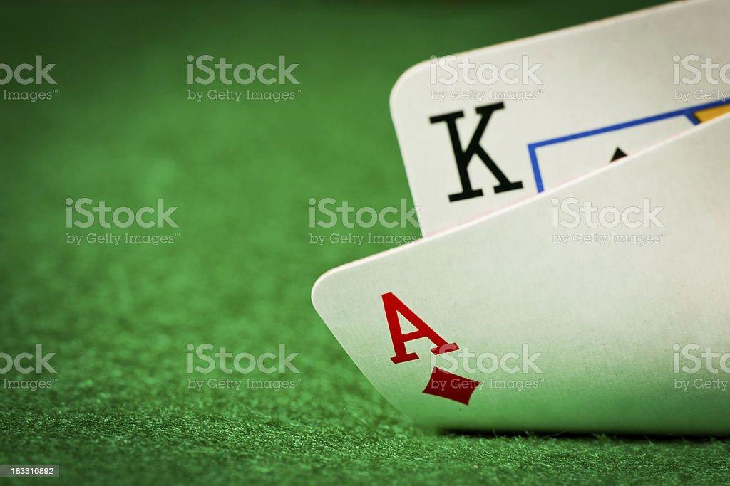 Покер стол с двумя карты стоковое фото
