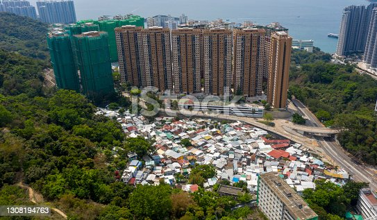 2021 Mar 19,Pokfulam Village is a historic village in Hong Kong, located in Pokfulam, Hong Kong Island, next to Chi Fu Fa Yuen.