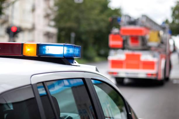 Polizei Auto und Löschfahrzeug LKW – Foto