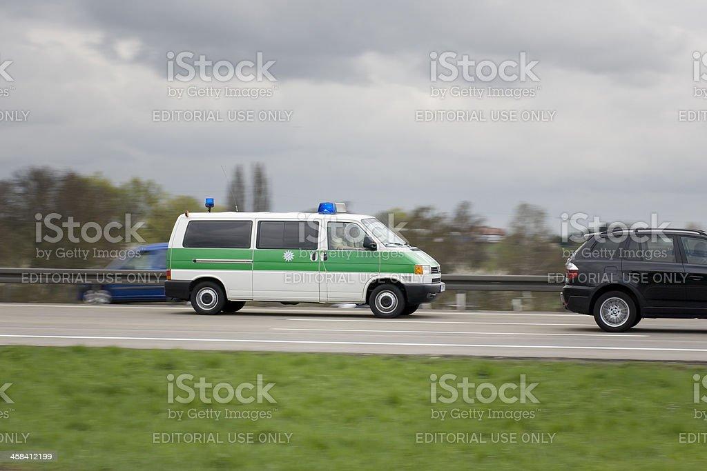 Polizeiauto auf Deutsche autobahn – Foto