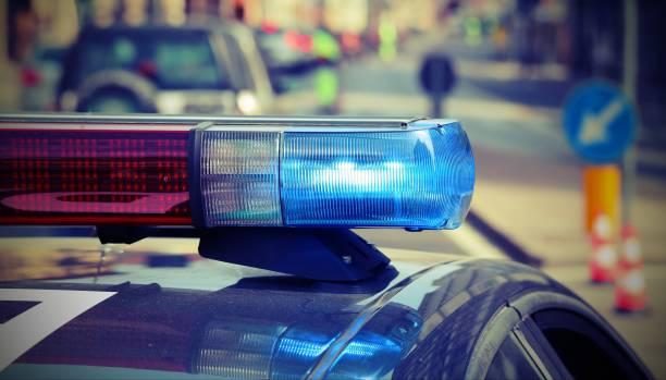 Polizeiwagen mit Sirenen im Checkpoint – Foto