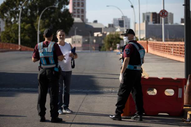 Polizeikontrolle am 8. Tag der Quarantäne – Foto