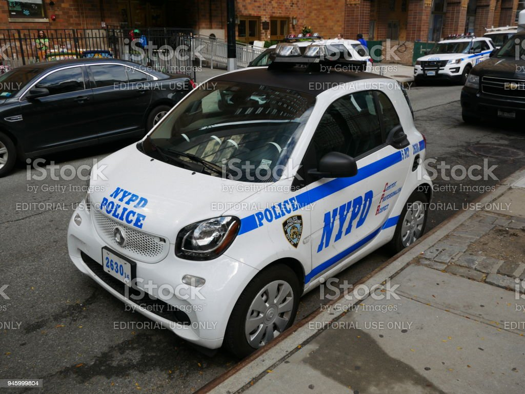 Police Nypd Smart Car Stock Photo - Download Image Now - iStock