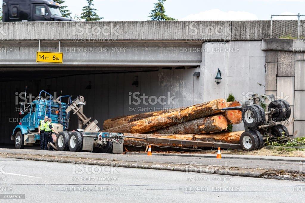 Everett Washington Usa June 25 2018 Police Officers Inspect A