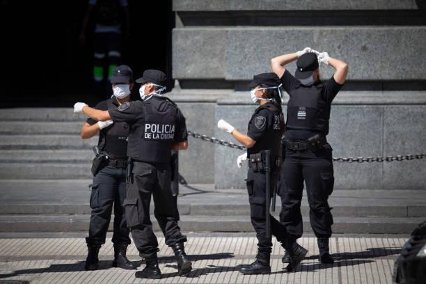 Polizisten auf Quartin in Buenos Aires – Foto