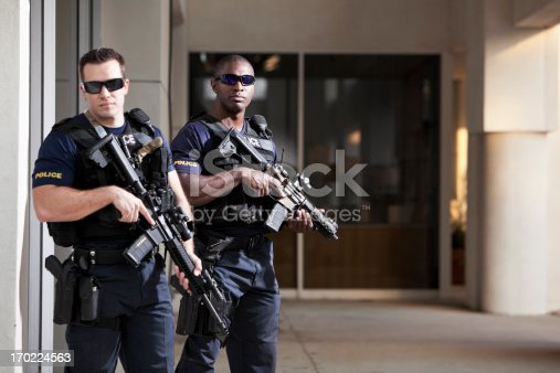 istock Police officers with rifles 170224563