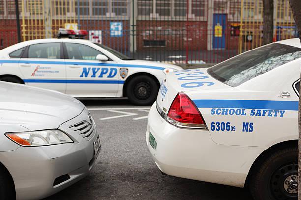 New York City Polizei-School Sicherheit patrol Autos – Foto