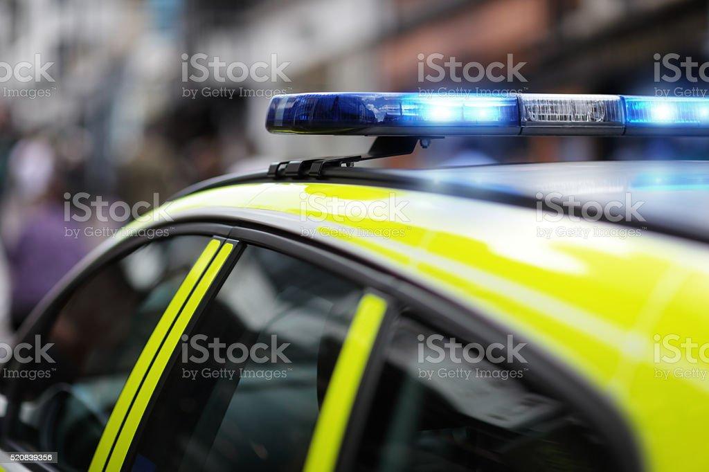 Sirena de policía en accidente o escena del crimen - foto de stock