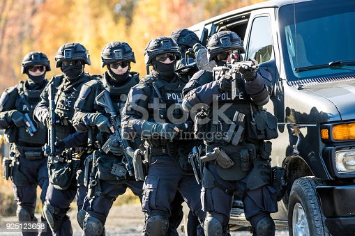 istock Police Swat Team at Work 925123658