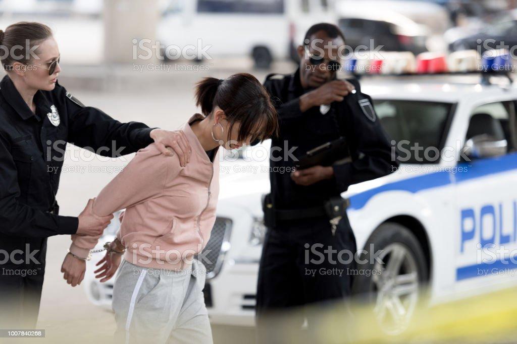 Mujer detenida por drogar a su marido durante semanas
