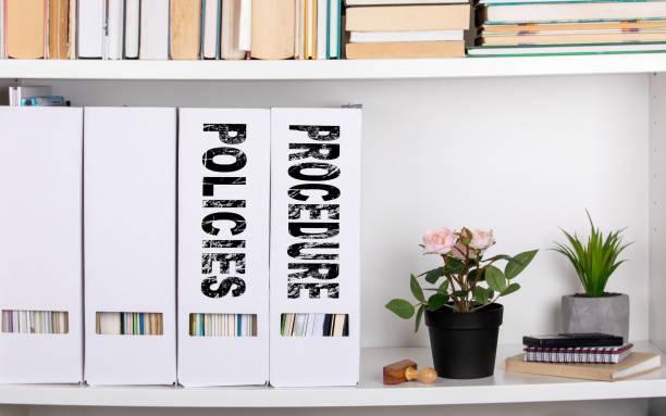Richtlinien und Verfahren-Konzept. Dokumentenmappen und Organisatoren – Foto