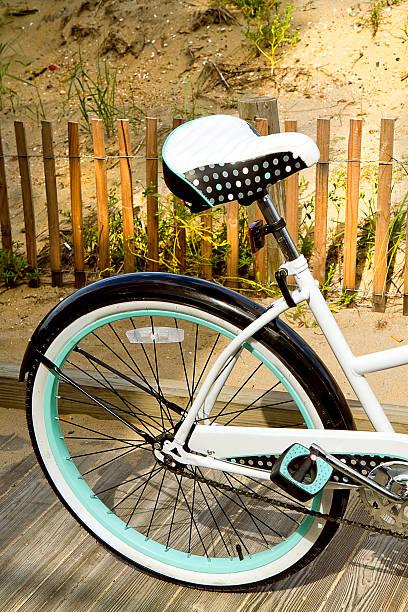 Motif à pois fond sur vélo - Photo
