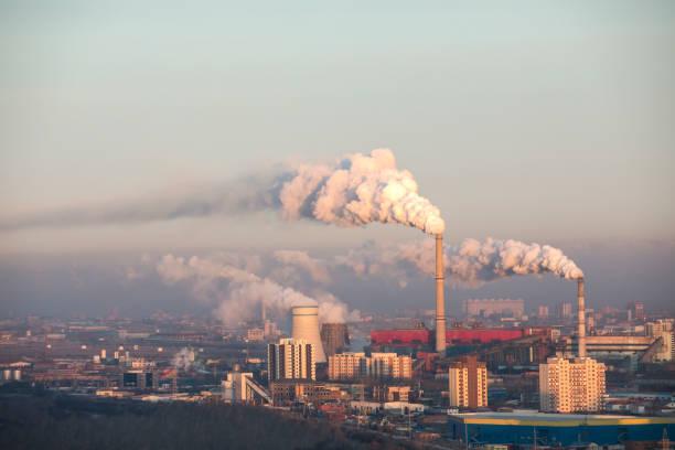 vervuilde ulaanbaatar - smog stockfoto's en -beelden
