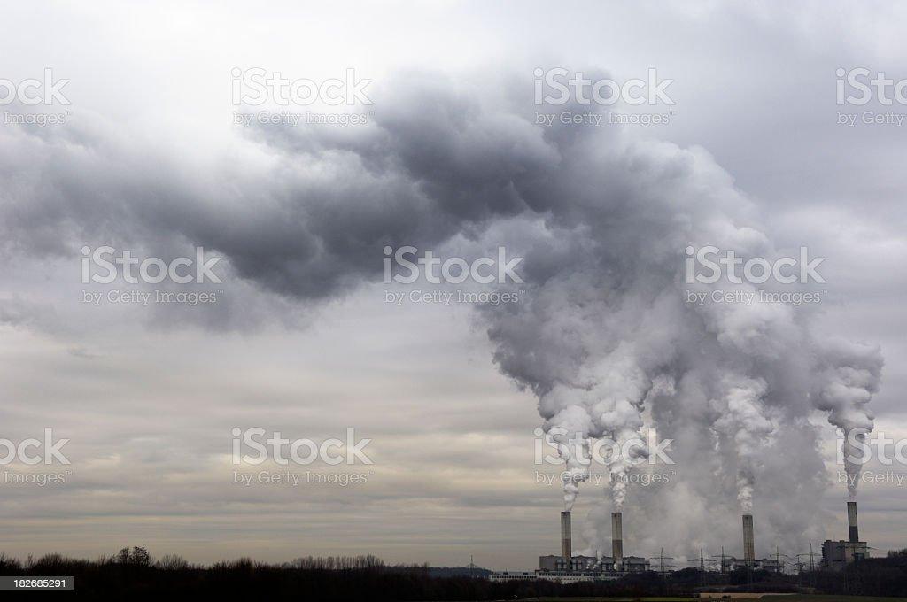 Kraftwerk mit Umweltverschmutzung – Foto