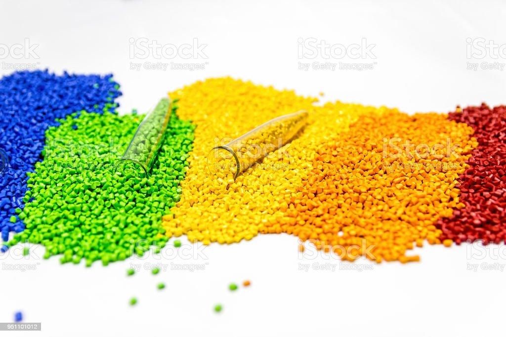 Polymeren Farbstoff. Kunststoff-Pellets. Pigment in das Granulat. - Lizenzfrei Granulare Materie Stock-Foto