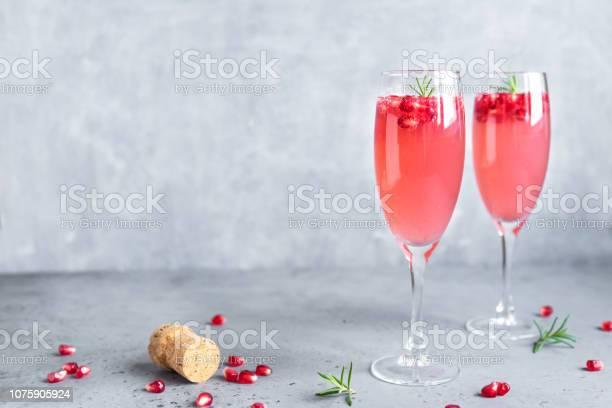Pomegranate mimosa cocktail picture id1075905924?b=1&k=6&m=1075905924&s=612x612&h=h0o9teh4adekbrsgj4 ejtb1f6zdw b64y3aywysere=