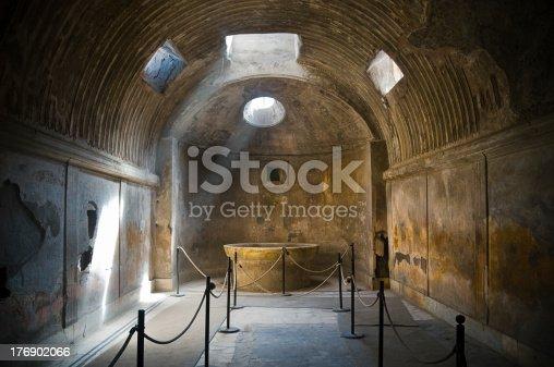istock Pompei thermae 176902066