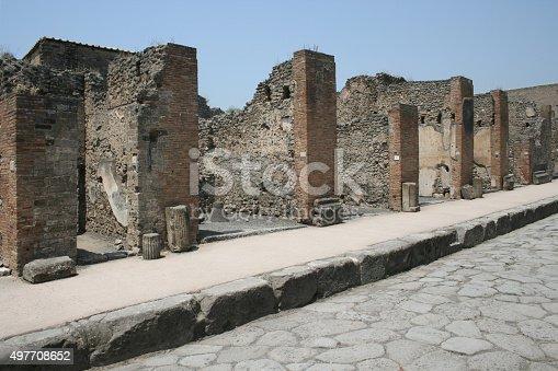 860524946 istock photo Pompeian street. Pompeii (naples - Italy) 497708652