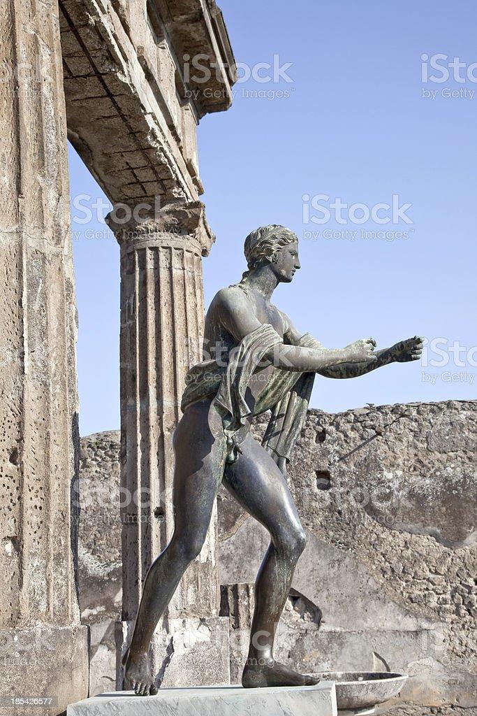 Pompéi.  Statue d'Apollon - Photo