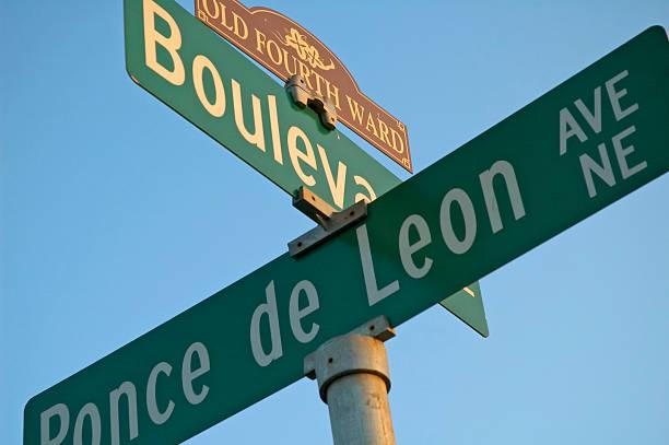ponce y boulevard - señalización vial fotografías e imágenes de stock