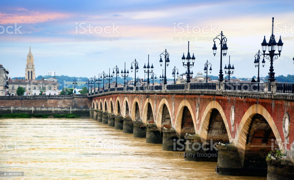 Pont de pierre, Bordeaux - fotografia de stock