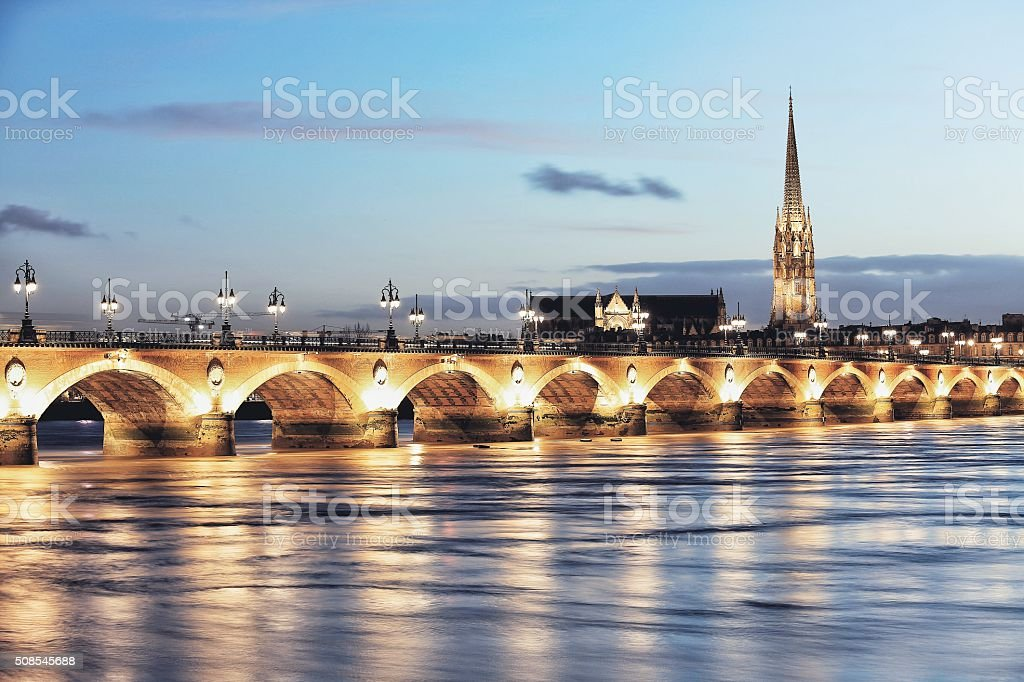 Brücke Pont de Pierre – Foto