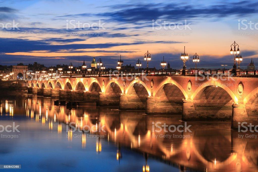 Pont-de-pierre bridge - Photo