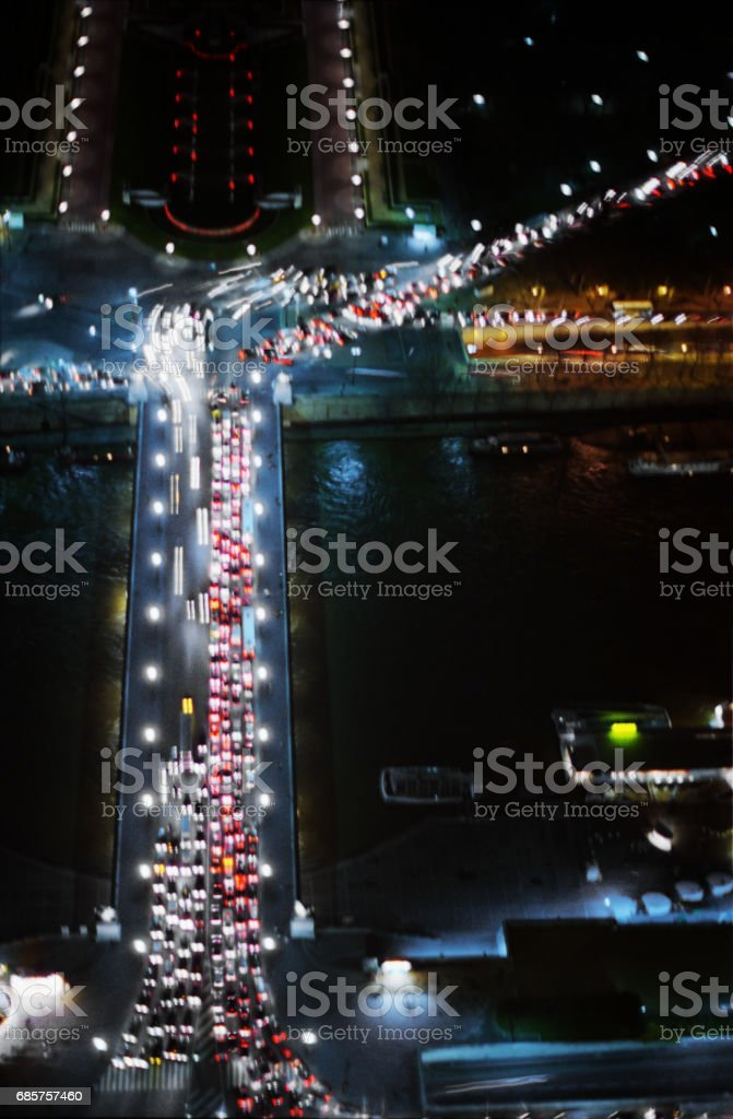 Pont d'Lena Night Traffic foto stock royalty-free