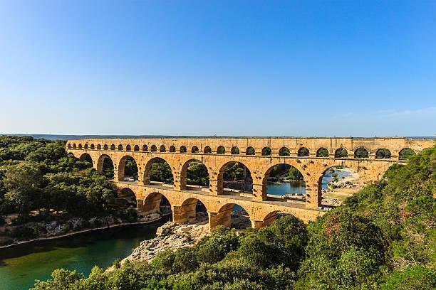 pont du gard - france - pont du gard stockfoto's en -beelden