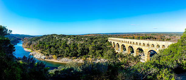 pont du gard is an old roman aqueduct near nimes - pont du gard stockfoto's en -beelden