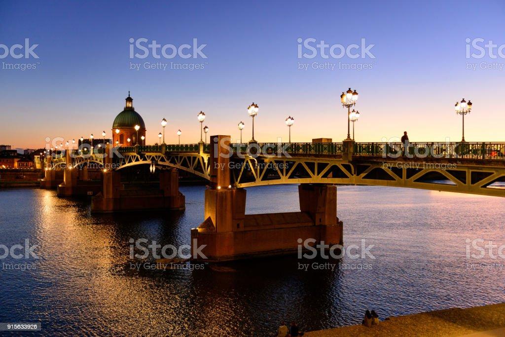 Pont Saint Pierre at dusk, Toulouse stock photo