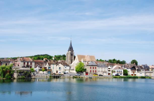 Pont sur Yonne, França - foto de acervo