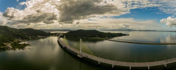 ponte anita garibaldi - br101 - laguna sc - laguna foto e immagini stock