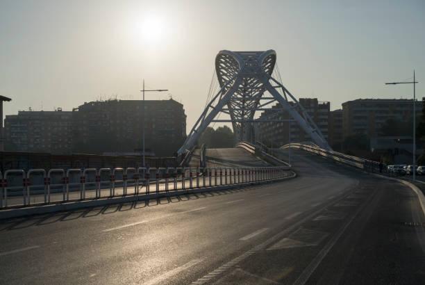 ponte garbatella in the morning - roma foto e immagini stock