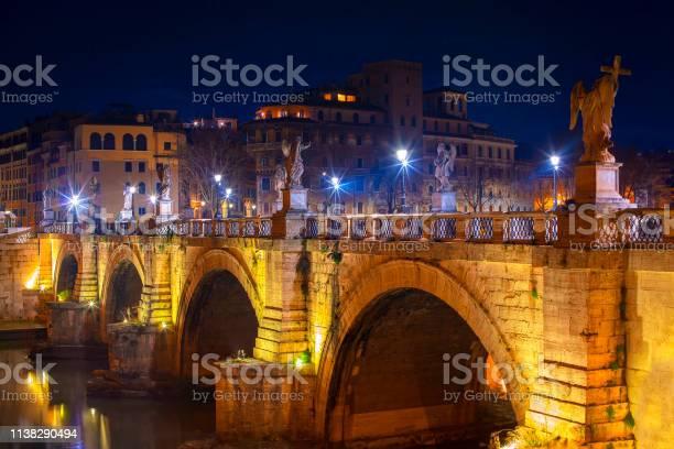 Ponte sant angelo picture id1138290494?b=1&k=6&m=1138290494&s=612x612&h=hmoua55kfe7n5mgnyh yvfnsox9t9qfwb0efhu8uqig=