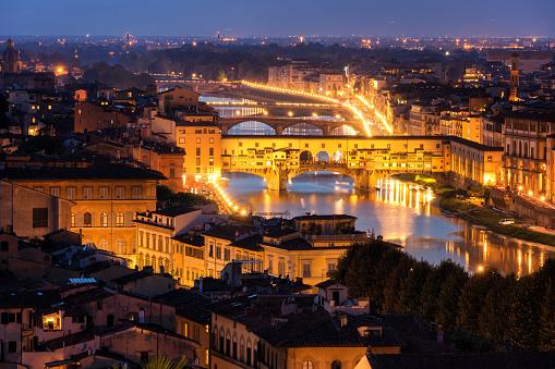 Photo libre de droit de Pont De Ponte Vecchio À Florence Italie banque d'images et plus d'images libres de droit de {top keyword}