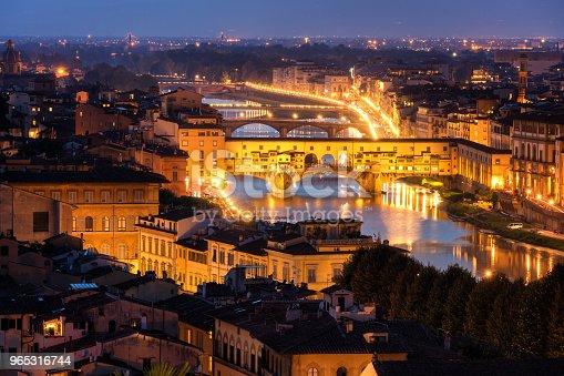 Ponte Vecchio Bridge In Florence Italy - Stockowe zdjęcia i więcej obrazów Architektura