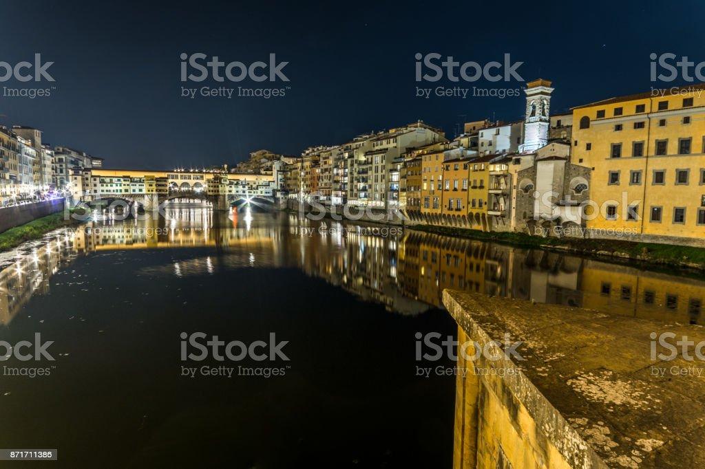 Ponte vecchio di notte stock photo