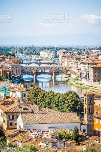 Ponte vecchio florence italy picture id1073024404?b=1&k=6&m=1073024404&s=612x612&h=9vybthf lxwidhm77t0lfbv612qqj0ow8lo hpsrlrs=